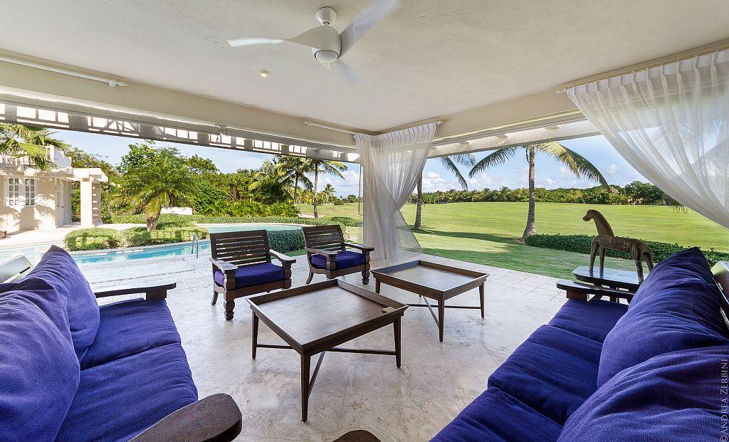 Villa Blanca Outdoor Lounge