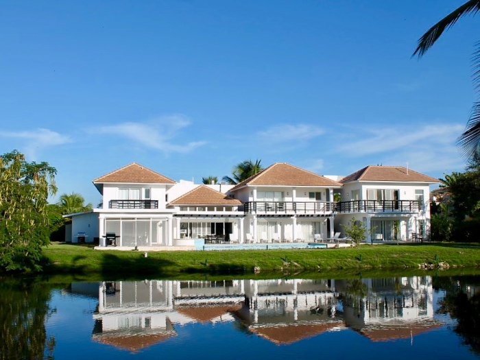Lake View Villa in Punta Cana - www.palmeravillas.com
