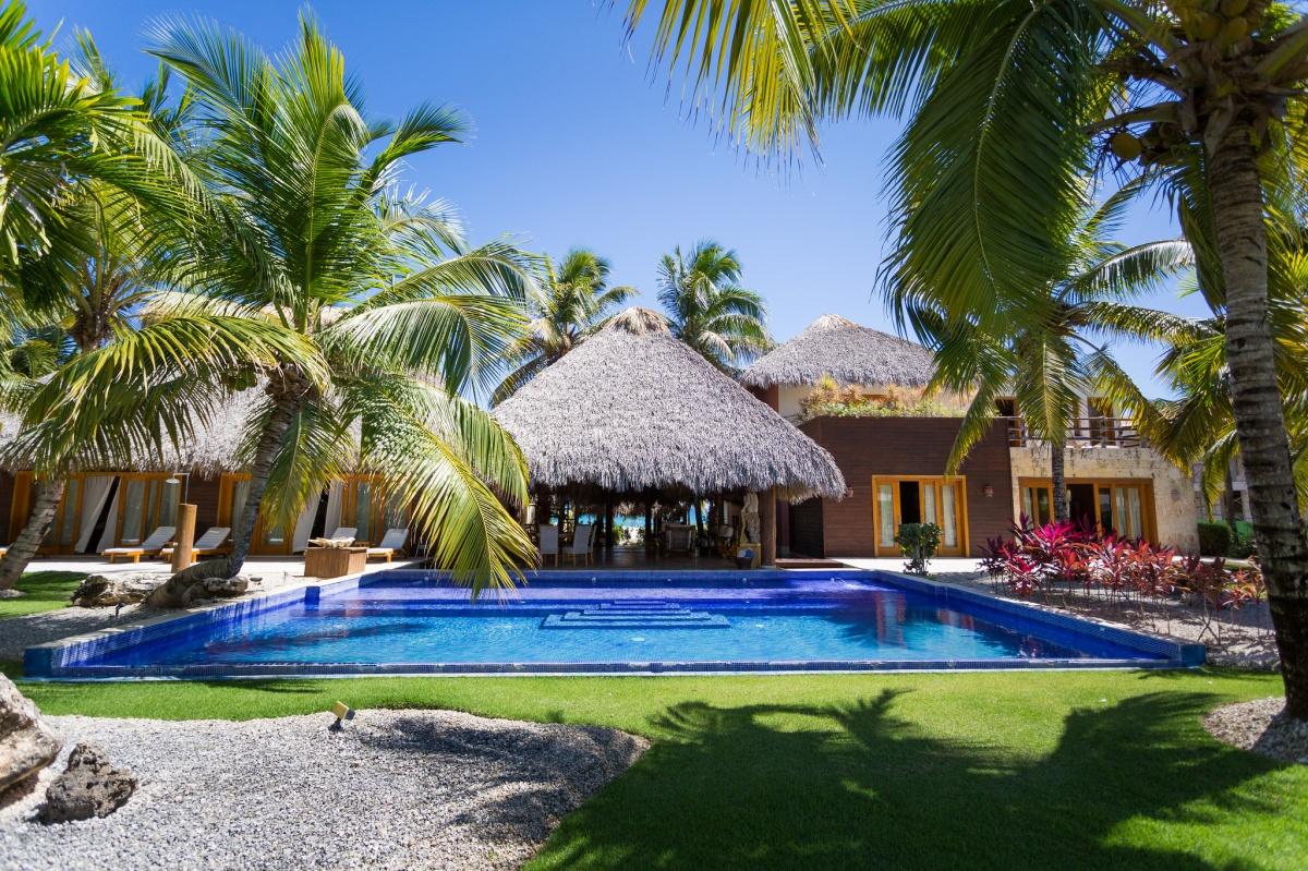 Caleton estate 51 palmera villas vacation rentals in for Punta cana villa rentals