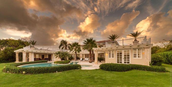 A Luxurious Vacation at Villa Blanca in Punta Cana - www.palmeravillas.com