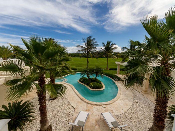Villa Blanca in Punta Cana - www.palmeravillas.com