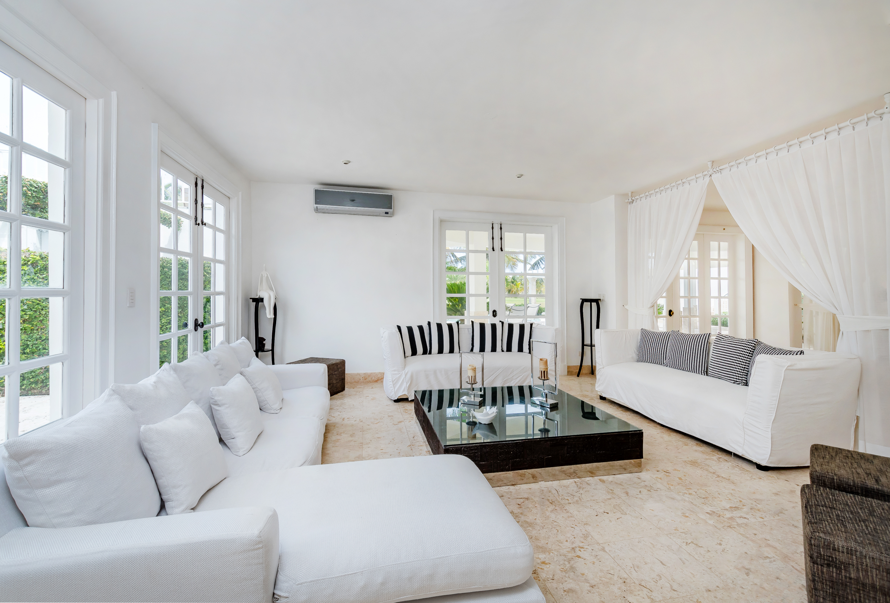 Villa Blanca Living Room