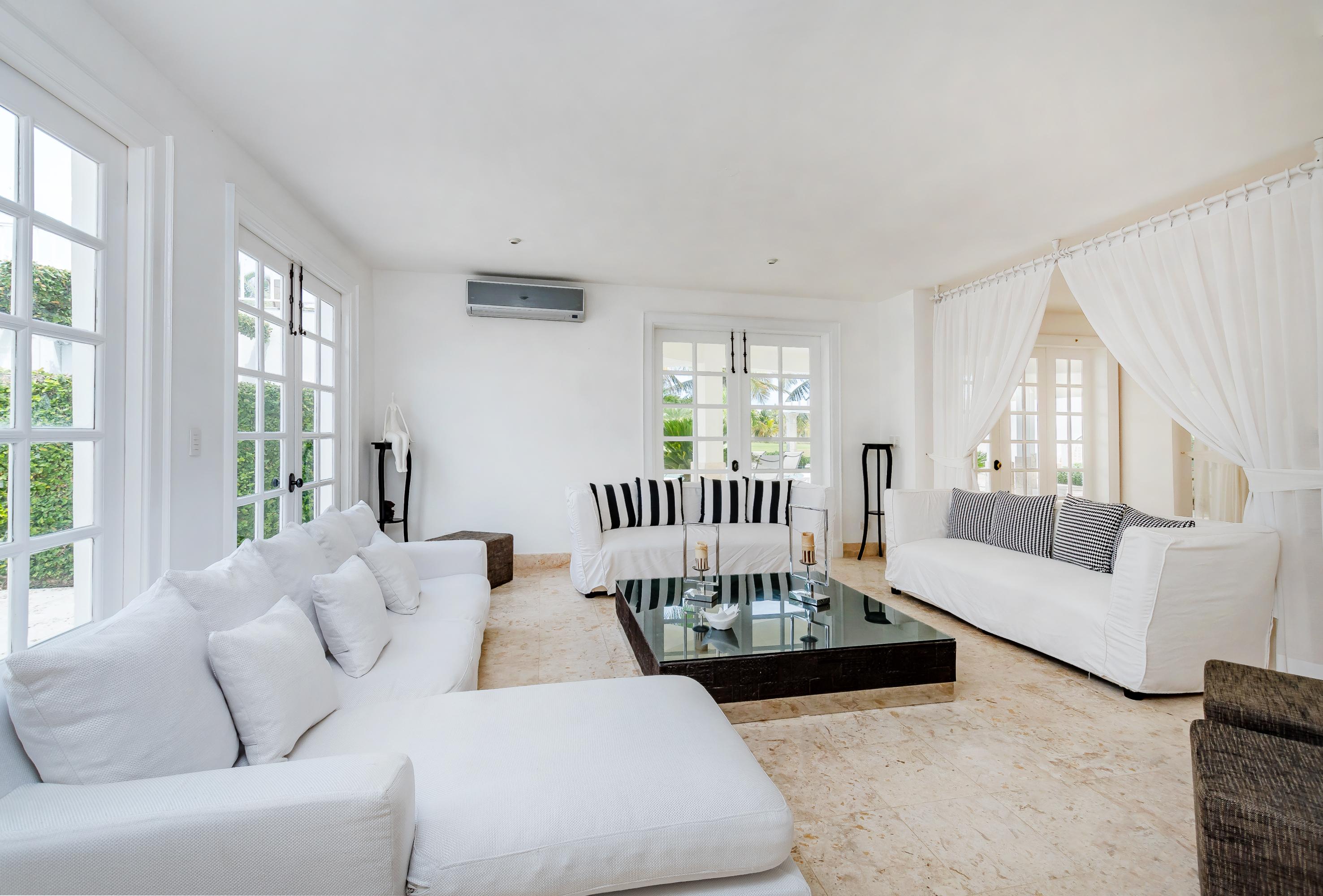 Villa Blanca Living Room
